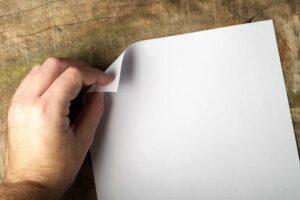 ポスティングチラシの折り方は3パターン!状況によって使い分けよう
